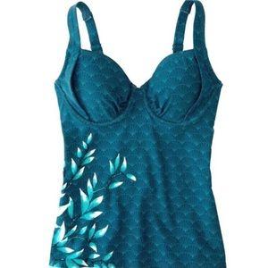 Title Nine Bodacious Tankini Swim suit Top Blue
